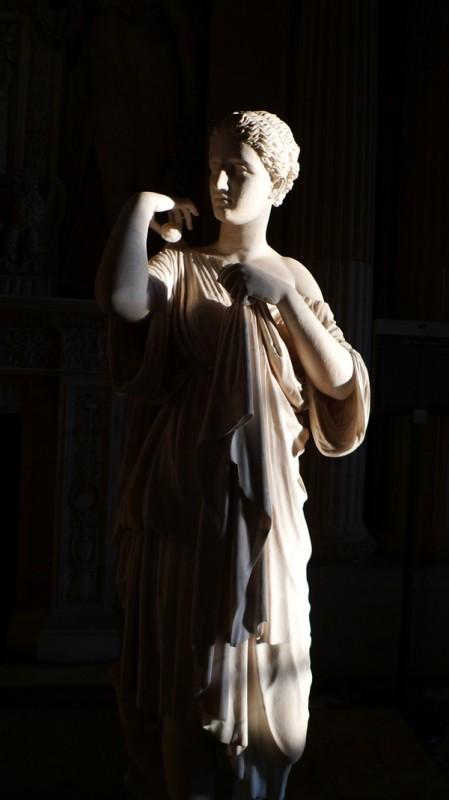 卢浮宫,阿耳忒弥斯(月神)