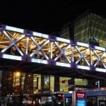 西单商场的天桥总算可以用了