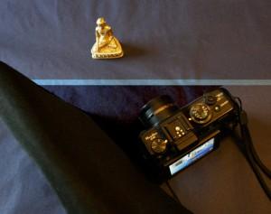 黑色长方布包可以遮挡反光