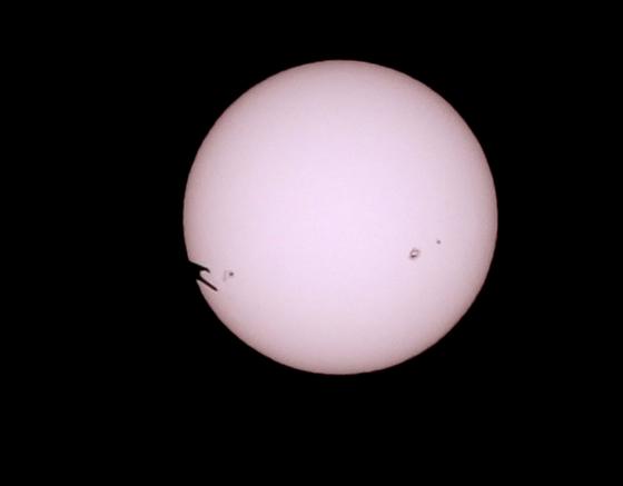 太阳黑子群AR2192和飞鸟