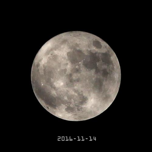 """""""超级月亮"""""""